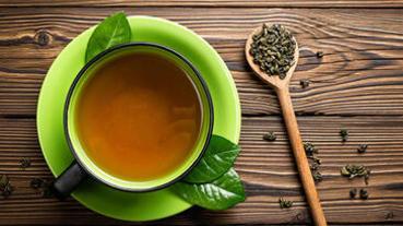 「喝綠茶」對身體的9個好處大公開,不僅有助減肥還能抗老化!