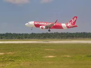 Maskapai Penerbangan AirAsia Terancam Bangkrut