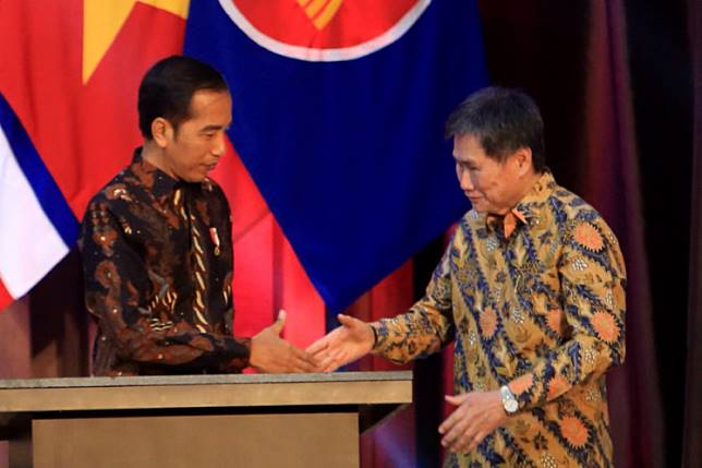 President Joko Widodo and ASEAN secretary General Lim Jock Hoi during the inauguration of the new ASEAN secretariat building in Jakarta, August 8, 2019. The Inauguration was held in conjunction with the 52nd anniversary of ASEAN.