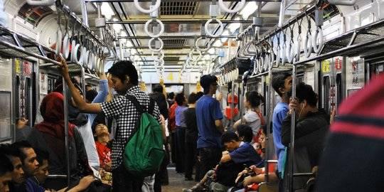 Ilustrasi Commuter Line. ©2016 Merdeka.com/iqbal s nugroho