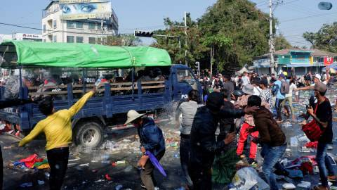 Myanmar Abaikan Konsensus KTT ASEAN, 7 Demonstran Tewas Ditembak (1)