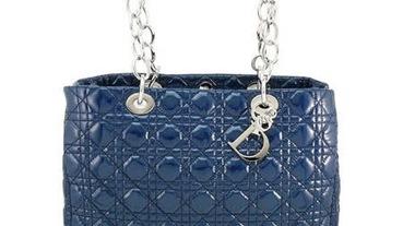 2020高質感藍色系精品包推薦!耐看百搭又時尚的包款不能錯過