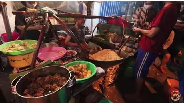Ada Nasi Goreng Sampah di Malang, Seperti Apa Rasanya?