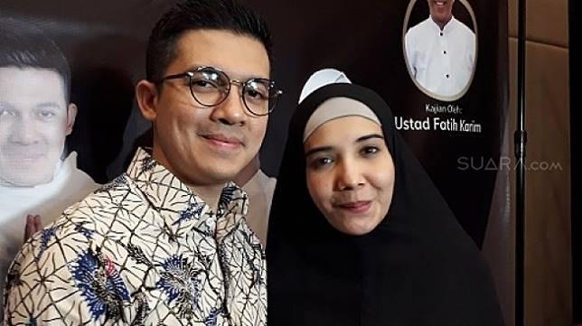 Pasangan artis Irwansyah dan Zaskia Sungkar. [suara.com/Ismail]