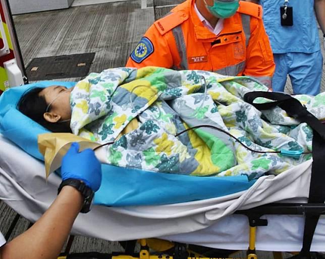 女傭昏迷被送往天水圍醫院治理,恢復清醒後轉送往屯門醫院留醫。