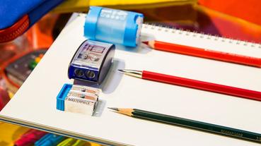起點玩物 / 全世界第一台削鉛筆器發明者 KUM 讓大家多拿起鉛筆寫字