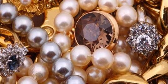 Ilustrasi perhiasan. ©2015 Merdeka.com/shutterstock/Korolevskaya Nataliya