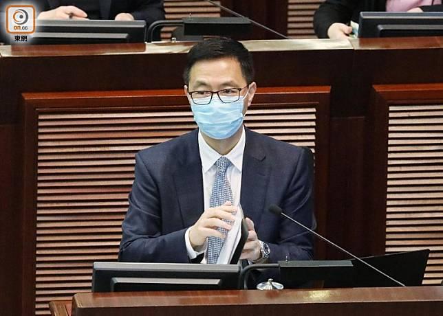 楊潤雄指文憑試考期仍以本月24日為目標。(羅錦鴻攝)