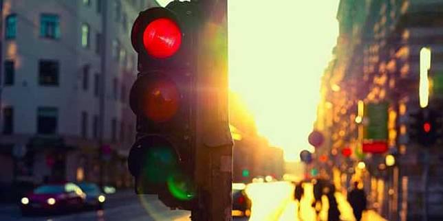 Lampu lalu lintas (Suzuki.co.id)