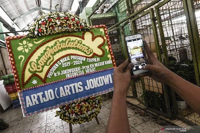Pedagang karangan bunga jelang pelantikan presiden dan wapres