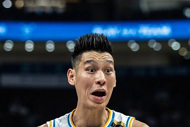 Jeremy Lin helps Beijing Ducks into CBA play-off hunt with another win