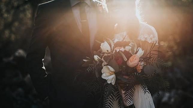 Ilustrasi pernikahan. (Unsplash/ Nathan Dumlao)