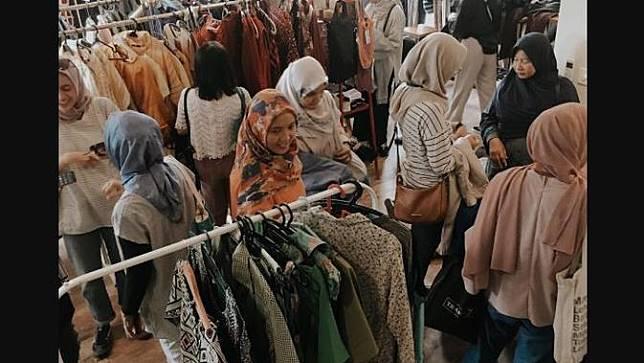 Tukar Baju, Solusi Alternatif Kurangi Tumpukan Sampah Tekstil