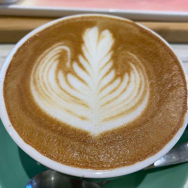 新宿区周辺で多くのユーザーに人気が高いコーヒーSeoul Cafeのカフェラテの写真