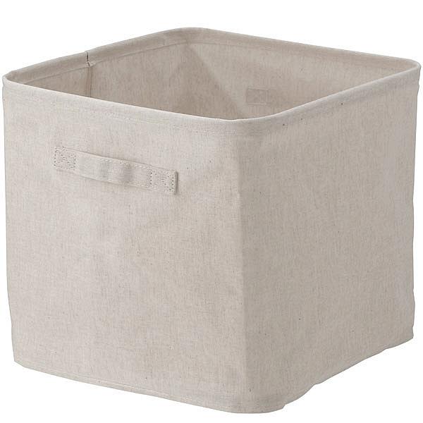 它是一種在布料內表面緊密摺疊的布盒。集中存放難以整理的小物品和玩具是方便的。