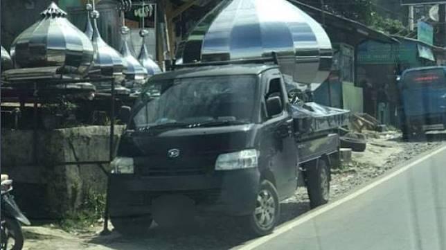 Viral mobil pickup disebut mirip Bulbasaur. (Twitter)