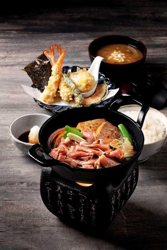 天婦羅與壽喜燒定食。(圖/金子半之助提供)