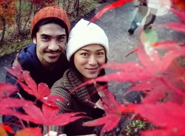 9 Seleb cantik Indonesia ini jatuh ke pelukan pria negeri tetangga
