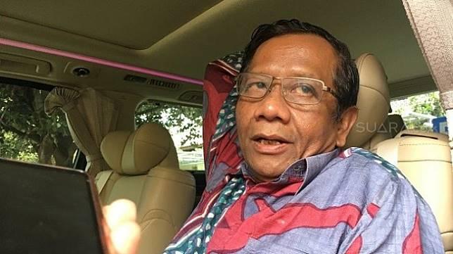 Eks Ketua MK Mahfud MD di Kantor Gubernur DIY. (Suara.com/Putu Ayu Palupi).