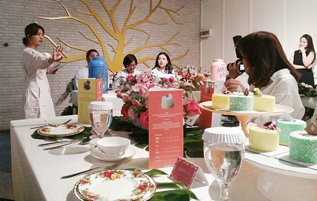 Entremets and tea pairing event, part of Jakarta Dessert Week in October 2019.