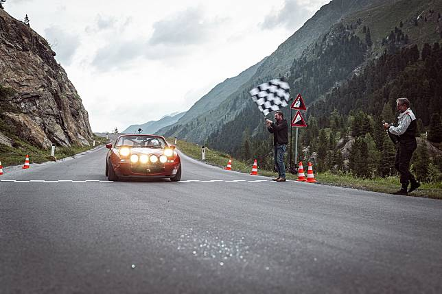 Mazda MX-5 generasi pertama pecahkan rekor di Gunung Kaunertal, Austria