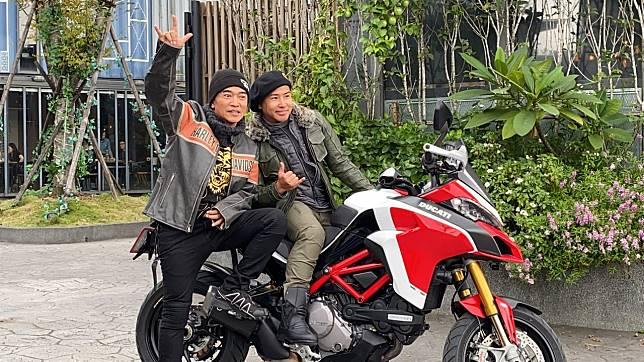 吳宗憲和歐弟今天騎重機出場。記者李姿瑩/攝影