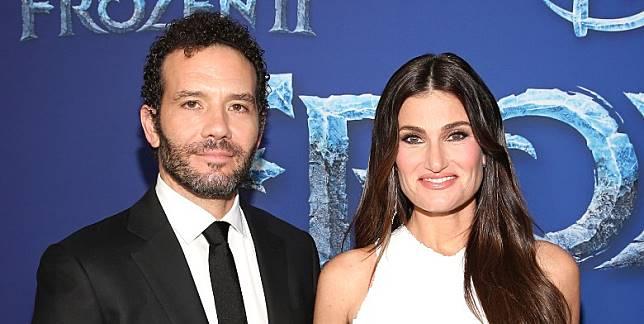 電影找回Idina Menzel夫妻檔聲演、主唱兼創作7首原創歌曲。(互聯網)