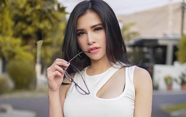 Kecantikan Maria Vania Dianggap Hasil Pakai Susuk, Beri Tanggapan Begini |  WowKeren Media | LINE TODAY