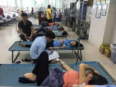 Ăn cơm chay ngày rằm, 24 công nhân nhập viện nghi bị ngộ độc thực phẩm