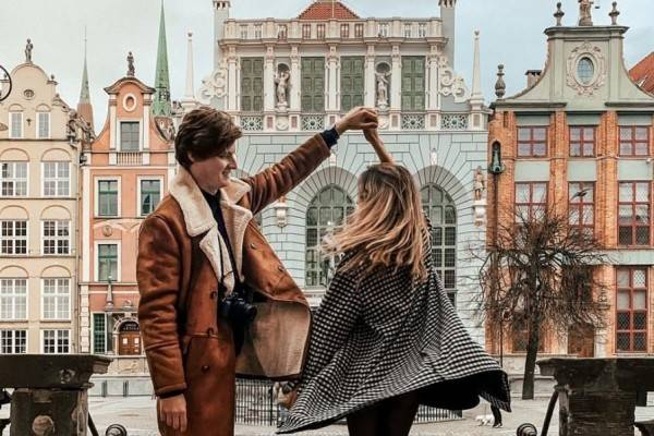 15 Ide Potret Romantis buat Honeymoon ala Pasangan Travel Blogger