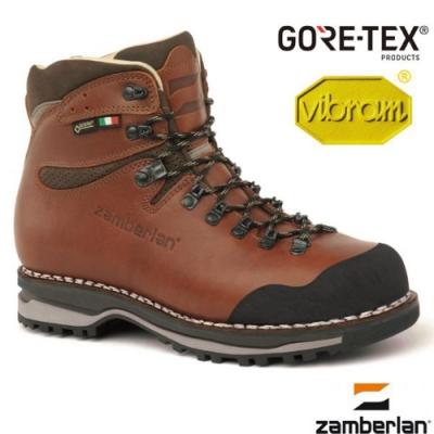 裡層為防水布料,襪套式設計 有始以來做出最成功的登山鞋