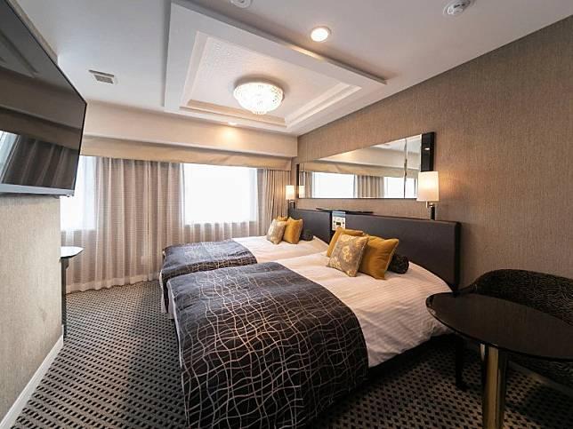 酒店提供660間客房,有一間最多可容納4人的套房、一間豪華雙床房,兩間標準雙床房,以及656間基本房型。(互聯網)