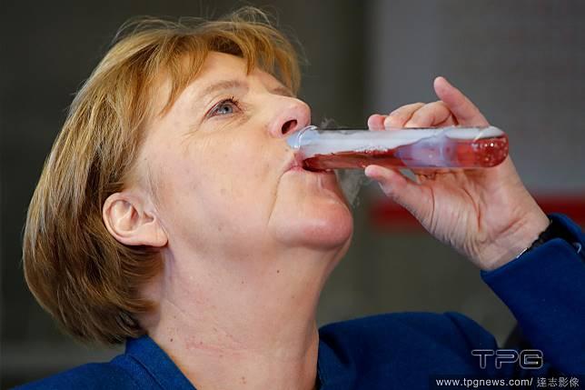 總理的乾冰雞尾酒