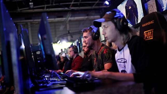 Gamers Mobile Legends dan Free Fire Rebutan Hadiah Rp 50 Juta