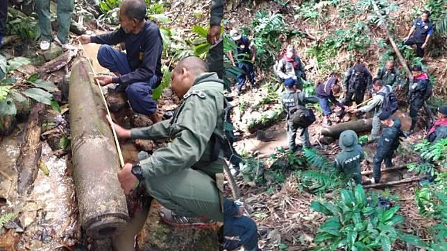 พบระเบิดยักษ์ขนาด 500 ปอนด์ กลางหุบเขา อ.เบตง จ.ยะลา