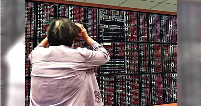 謝金河:台股元月開盤恐跌3、400點