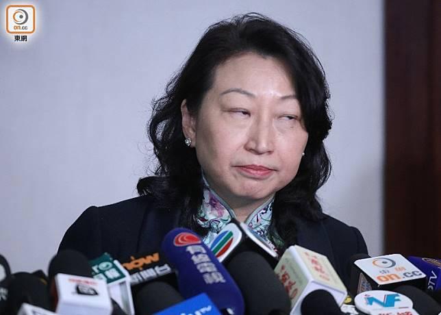 學者批評鄭若驊(圖)「臉皮厚」地繼續尸位素餐。