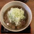 冷たい肉そば - 実際訪問したユーザーが直接撮影して投稿した西新宿そば肉そば家 笑梟の写真のメニュー情報