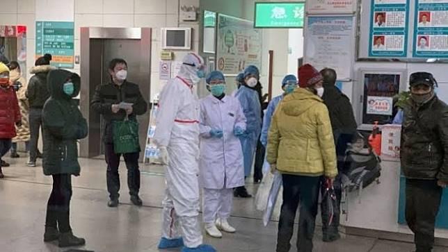 แพทย์จีนที่รักษาผู้ป่วยติดเชื้อโคโรนาไวรัสเสียชีวิตแล้ว