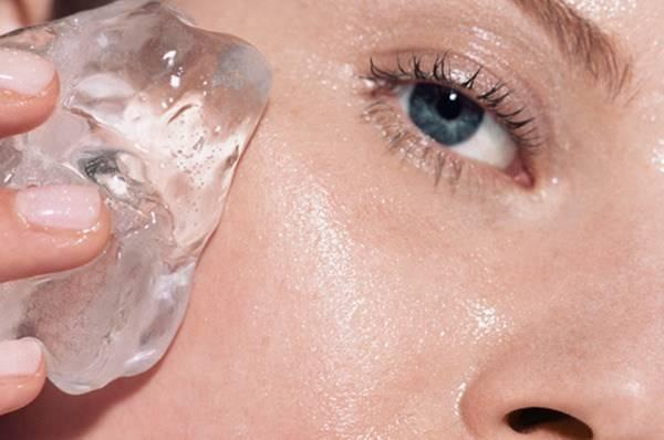 Ajaib! Ini 5 Manfaat Kecantikan dari Es Batu yang Harus Kamu Tahu