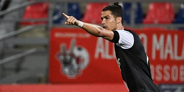 Cristiano Ronaldo Lagi-lagi Cetak Gol Lewat Penalti