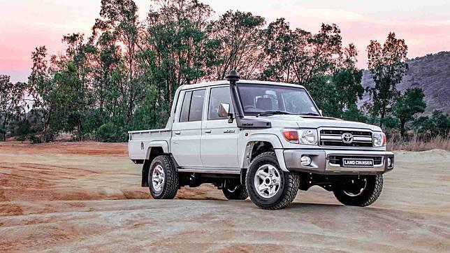 Toyota Ternyata Masih Jual Resmi Land Cruiser dan FJ Jadul