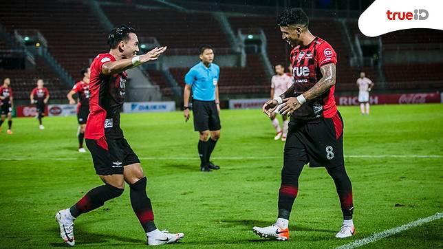 อย่ากาชื่อพวกเรา! ทรู แบงค็อกฯ ยังแกร่ง เปิดรังทุบ ราชบุรี 2-0 รั้งที่สามไทยลีก 2019
