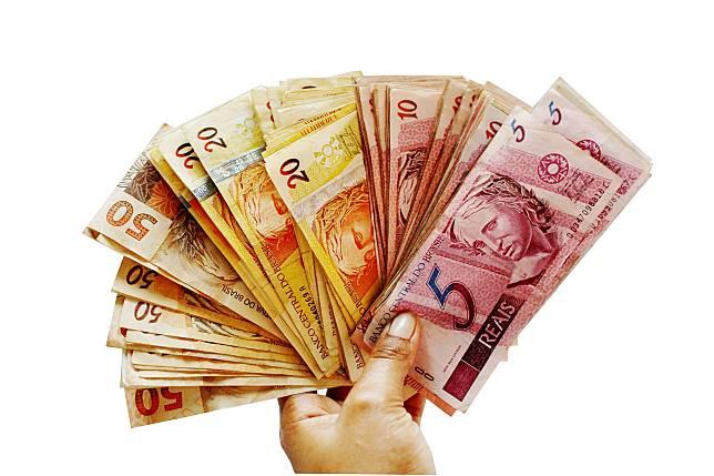▲現代人「薪水不漲、物價齊漲」。(示意圖/翻攝自 pixabay )