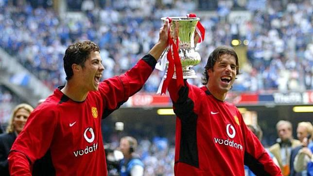 Ketika Lidah Lebih Tajam dari Pisau, Ucapan Van Nistelrooy Ini Bikin Cristiano Ronaldo Menangis