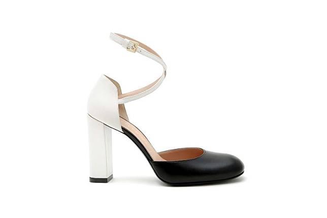 Anteprima黑白色高踭鞋 原價HK$3,995 特價HK$59(互聯網)