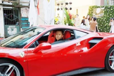 Nghi vấn siêu xe Ferrari 15 tỷ của ca sĩ Tuấn Hưng nát đầu sau tai nạn