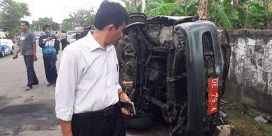 Mobil Dinas Tabrak Pembatas Jalan Saat Kejar Pesawat, 3 Pegawai BPKP Tewas