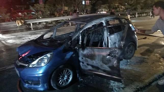 สรุปเหตุเพลิงไหม้รถยนต์ ซอยสุขุมวิท 50 พื้นที่เขตคลองเตย เมื่อเวลา 19.47น.