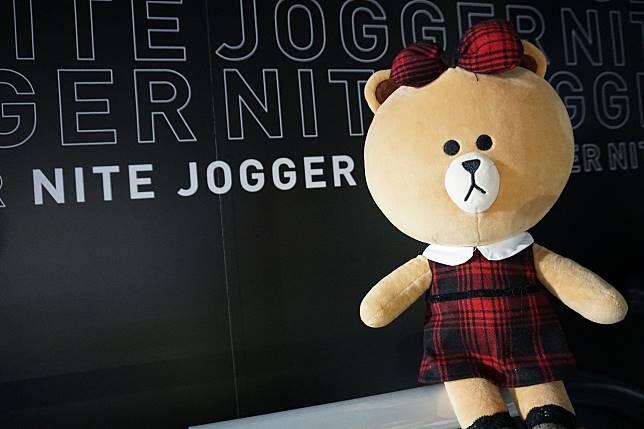 本小姐早前特意去看Nite Jogger全新10色,同神山隆二先生作品。